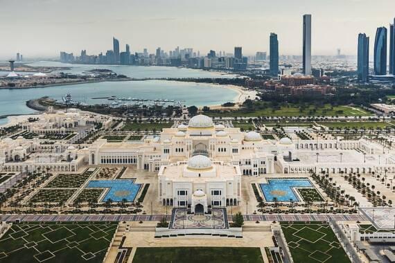 Abu Dhabi Corona FAQ: Einreise und Aufenthalt