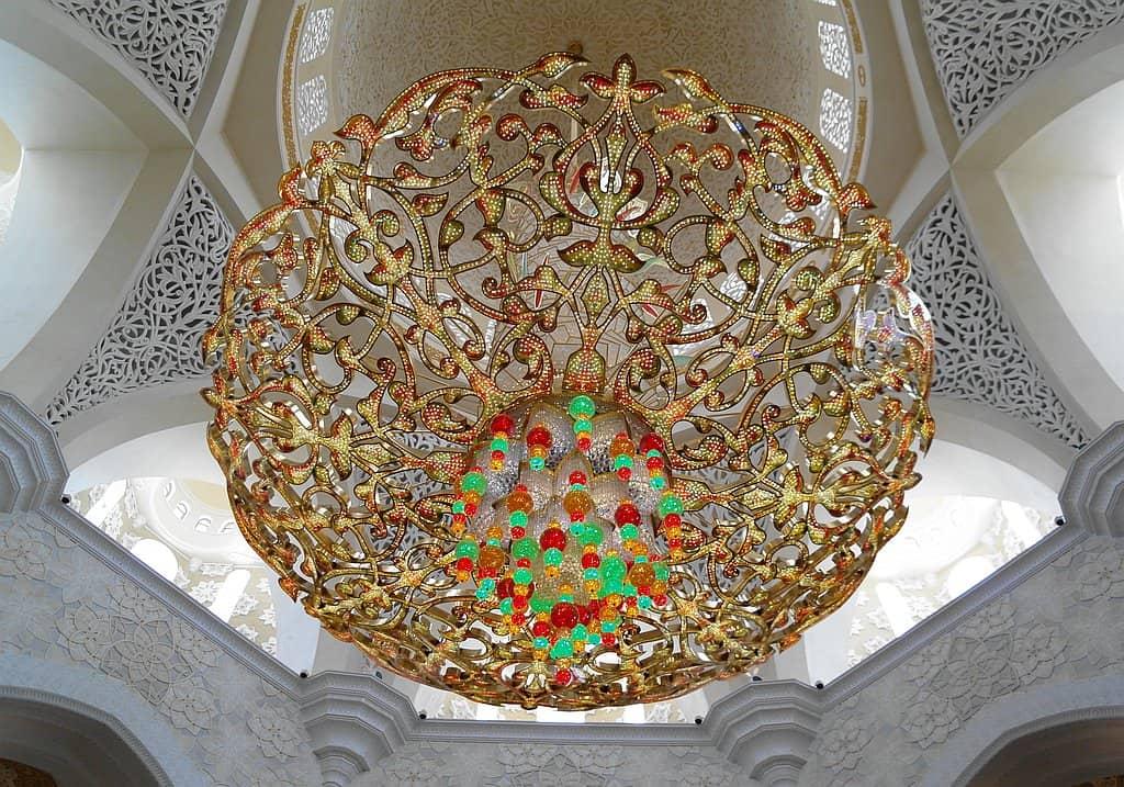Kristall Kronleuchter in der Sheikh Zayed Moschee