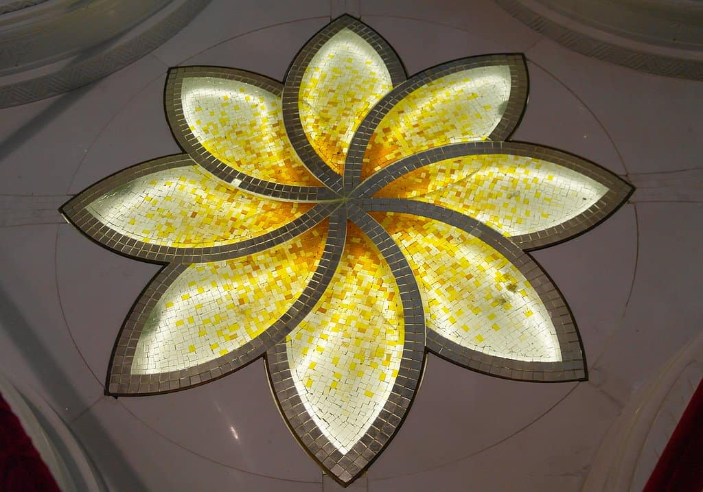 Blumenkristalle Moschee AUH