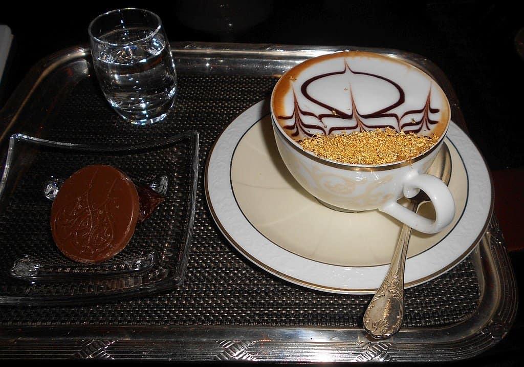 Cappuccino mit Goldstaub EMirates Palace
