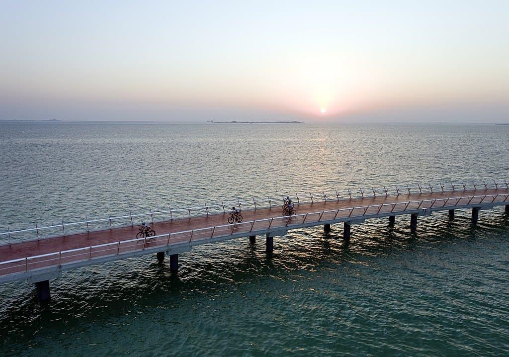 Cycling bridge Abu Dhabi