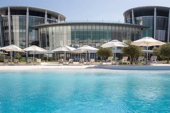 Neues Spitzenhotel auf Abu Dhabis Insel Saadiyat
