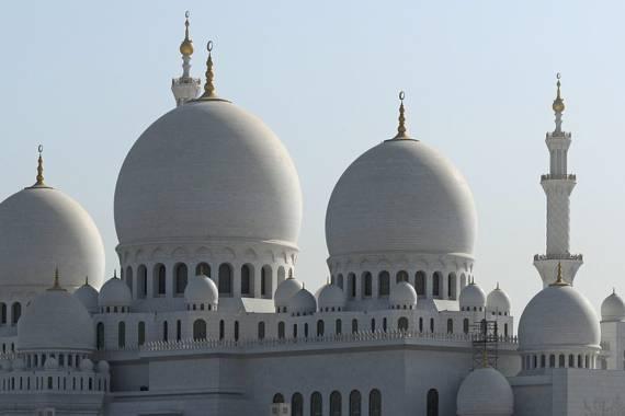 Sheikh Zayed Moschee: 1000 und eine Nacht in Abu Dhabi