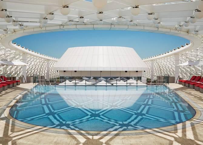 Pool W Abu Dhabi