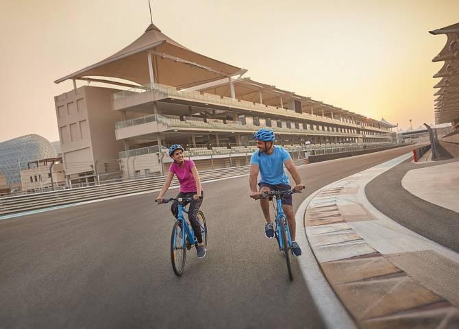 Yas Marina Circuit Fahrrad fahren